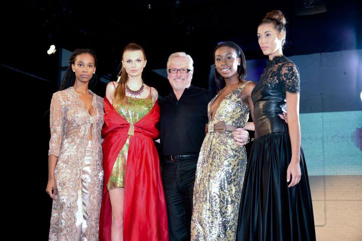Mark Roscoe and his models Photo: Isabel Souza
