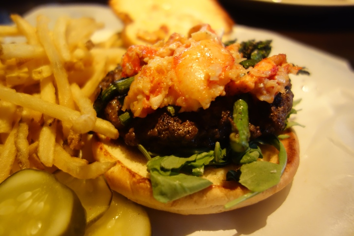 Surf and Turf Burger at Yard House Chicago Photo: Amanda Elliott
