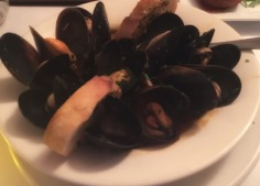 Restaurant Review on the Mussels at Trattoria Gianni in Lincoln Park